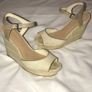 Lauren Conrad Dakota Natural Platform Wedge 8.5